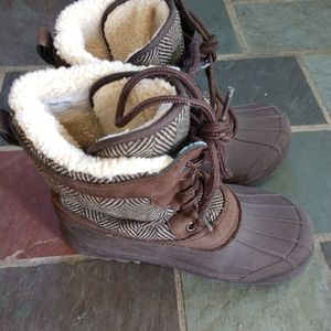 Lands end heavy boots youth size 4